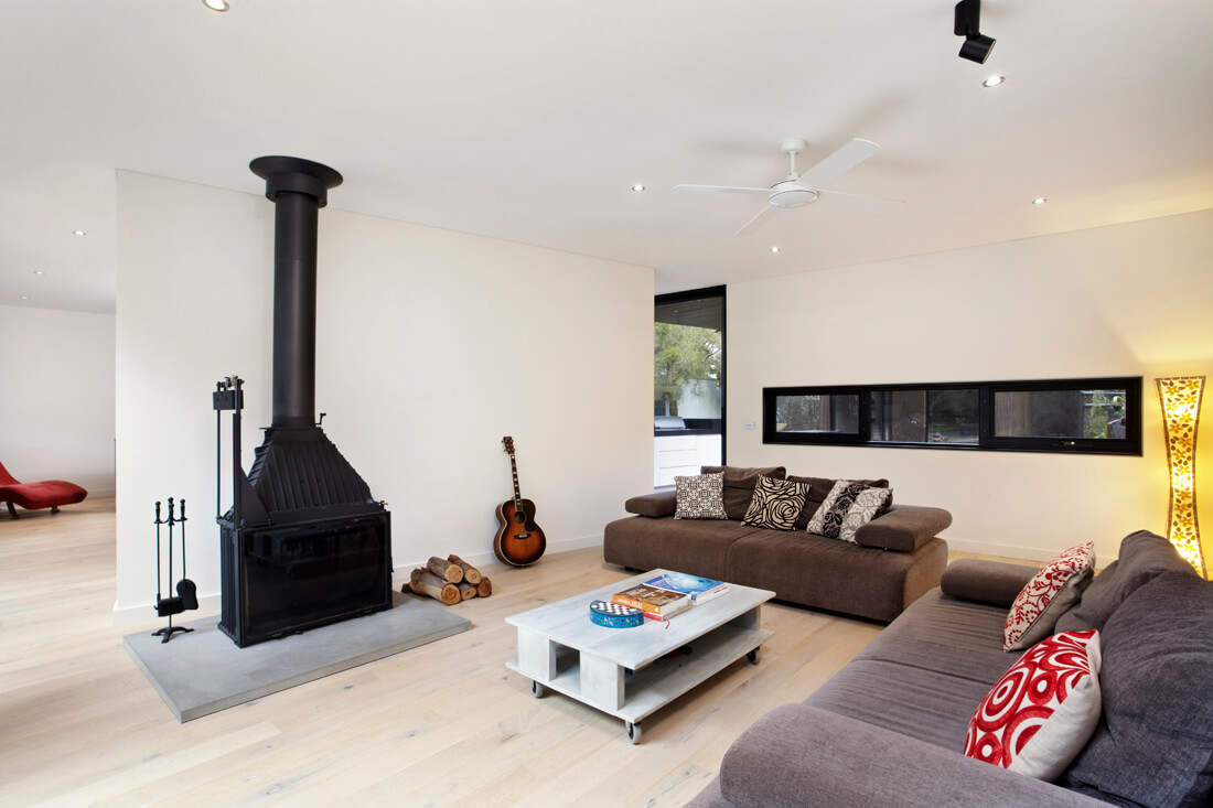 Point Leo beach house lounge room