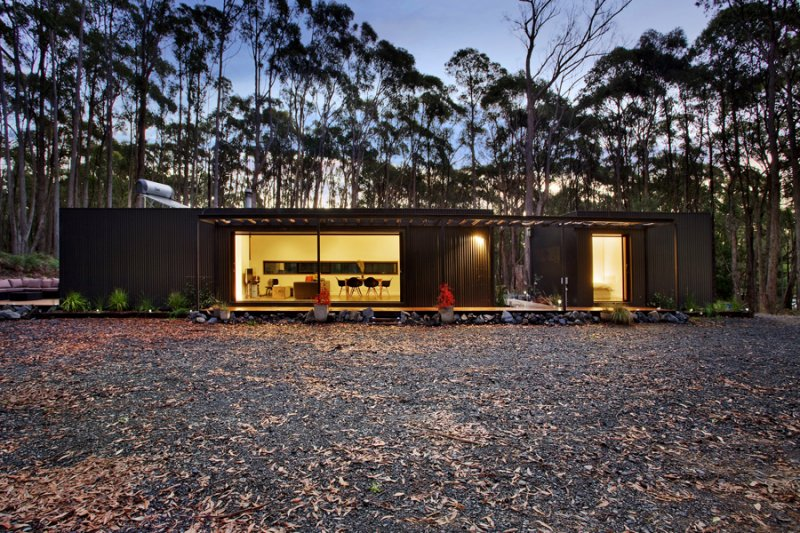 Prefab home in the Australian rural forest