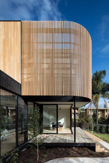 Timber batten privacy screen by Modscape