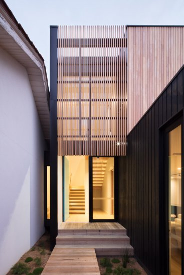 Timber batten screens on the Ivanhoe extension