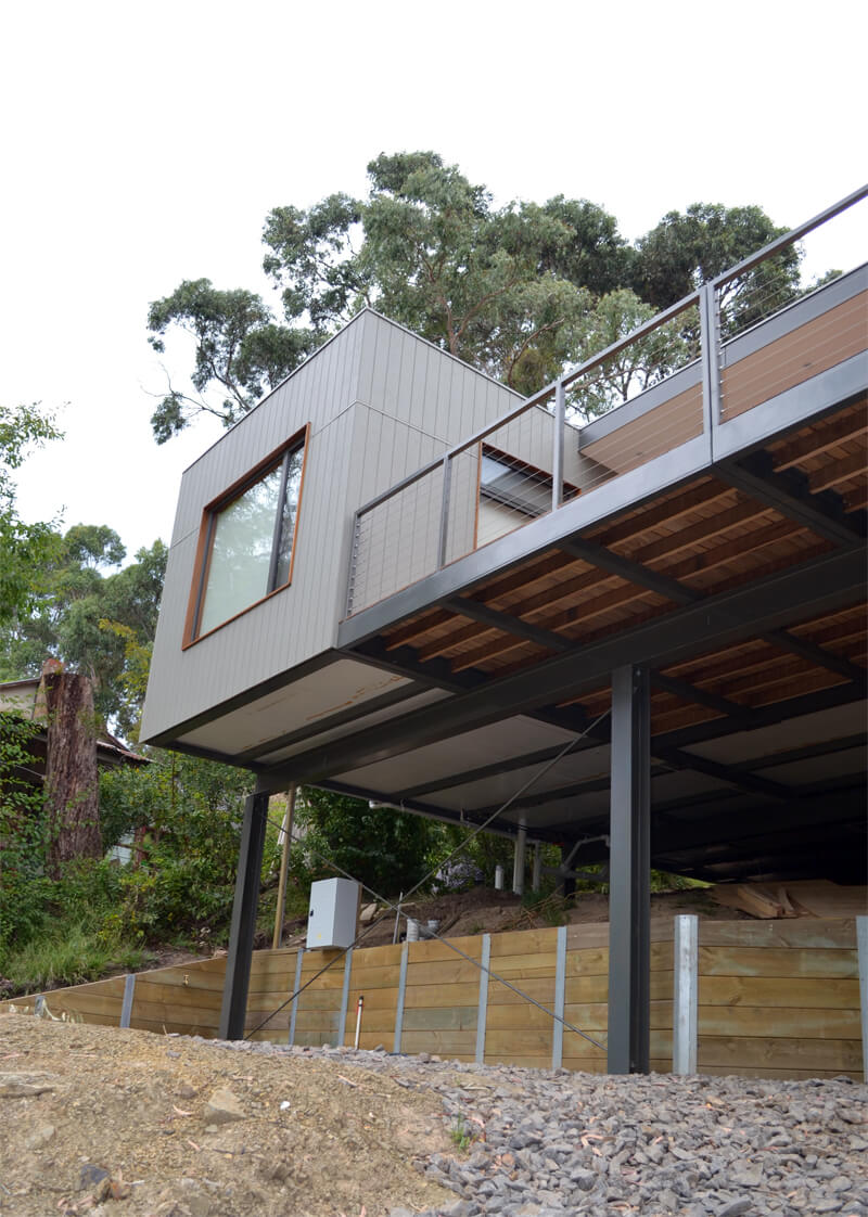 Modular home in Lorne on a sloping site