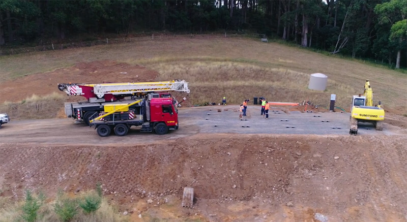 Large machinery at Mt Macedon prefab job site